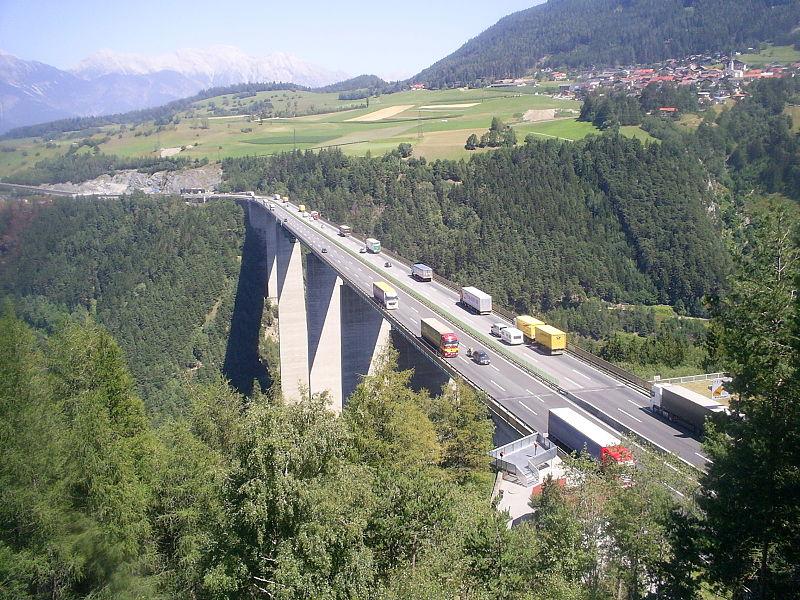 Violeta Bulc waarschuwt Oostenrijk voor de Brenner.